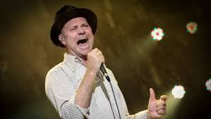 Morre o cantor canadense Gord Downie, vocalista da banda 'The Tragically Hip'